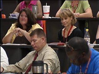 Teachers receive motivation from speaker