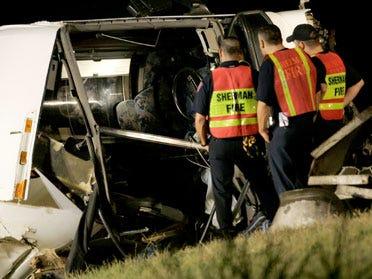 Bus crash kills 15 near Oklahoma border