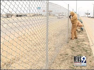 Outside Workers Battle Freezing Temperatures