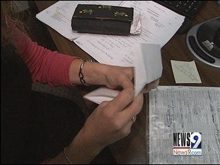 Boss Gives Employees $100 to Pay It Forward