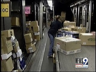 Last Minute Shippers Keep UPS Busy