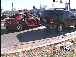 Oklahoma City Police Officer Witnesses Car Wreck