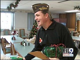 Metro Residents Bring Holiday Cheer to Veterans