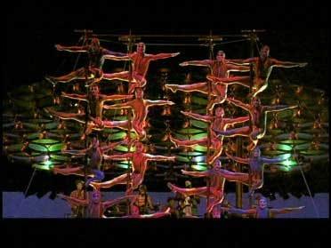 Cirque Du Soleil Comes to the Metro