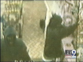 Oklahoma City Armed Robbery Caught on Tape