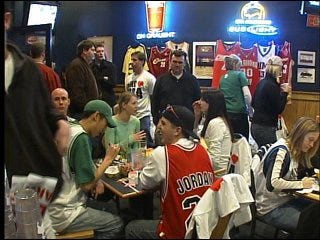 Fans rally for NBA support