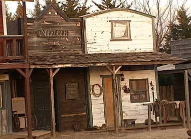 Former gunslinger builds home on the range