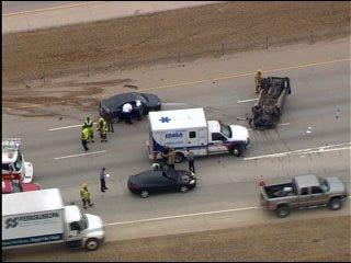 3 vehicles crash on Hefner Parkway