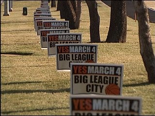 City leaders tackle 'litter on a stick'