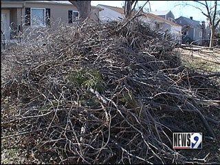 Crews pick up storm debris