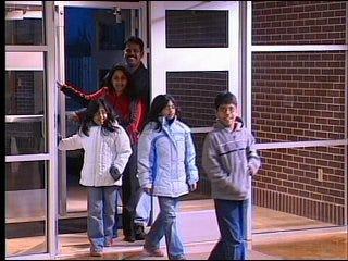 """Mustang parents attend """"Parent University"""""""