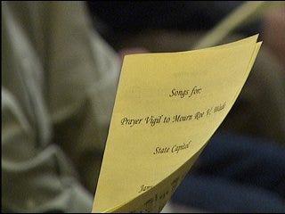 Prayer vigil held in honor of Roe v. Wade
