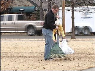 OU students help clean up campus