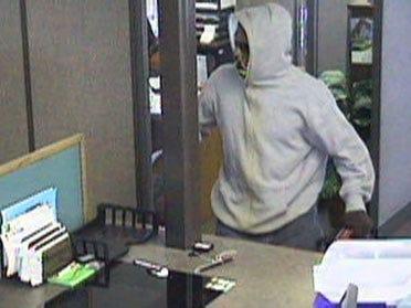 Man robs northwest OKC bank