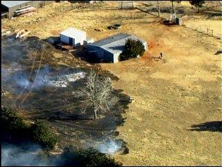 Firefighters battle metro grass fire