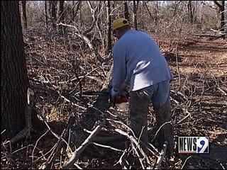 Oklahomans clean up from winter storm