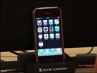 iPhone 3G generates buzz