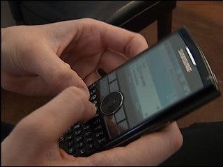 Unhappy customers swap cell phone plans online