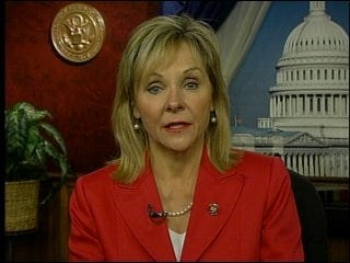 Fallin visits Alaska, calls for oil drilling