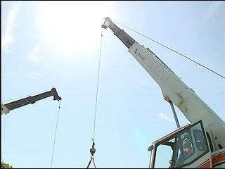 State officials considering new crane laws
