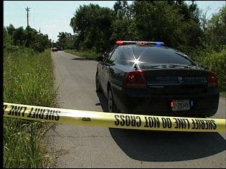 2 bodies found in car near Spencer