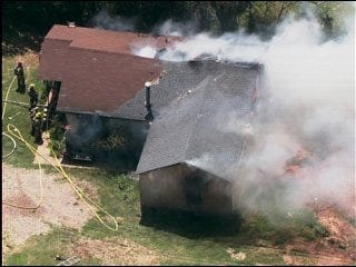 House fire rages in southeast Oklahoma City