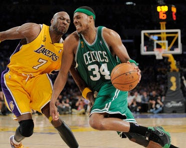 Lakers fall to Celtics in Game 4