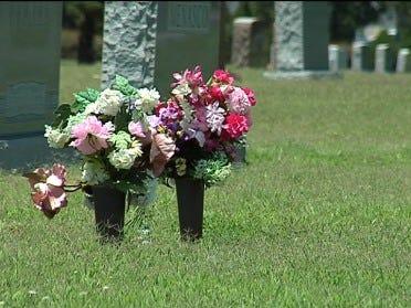 Celebrants create personalized funerals for non-religious