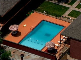 Alzheimer's patient found dead in pool