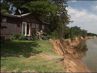 Cimarron River threatens Logan County homes