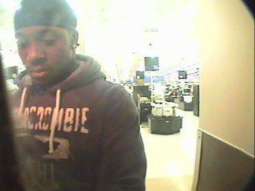 Purse snatcher still missing, police say