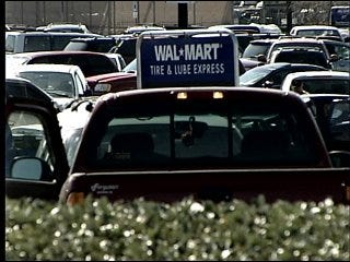 Woman gives birth in Wal-Mart parking lot