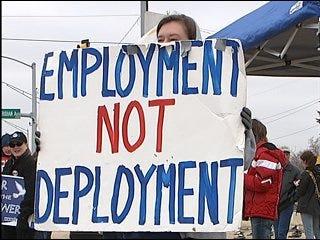 Oklahomans protest against war