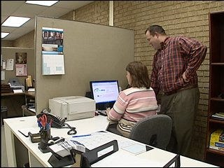 Online court document ruling faces opposition