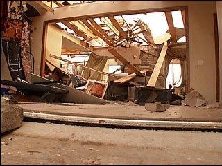 Edmond residents survey tornado damage