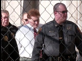 Jury deliberates Underwood's fate