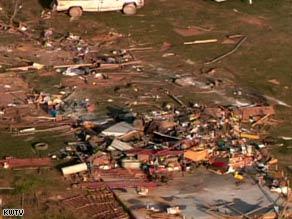 Deadly storms batter Missouri, Oklahoma
