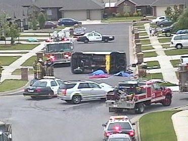 Crash kills two in southeast Oklahoma City
