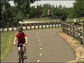 City leaders encourage bike use