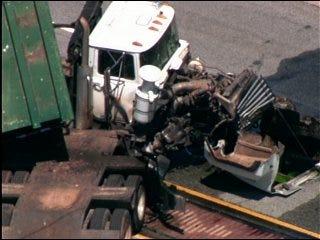 Crash closes Reno Avenue
