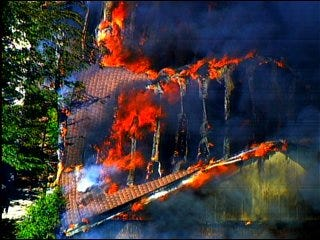 Fire consumes Canadian County home