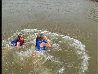 Oklahomans visit parks, pools