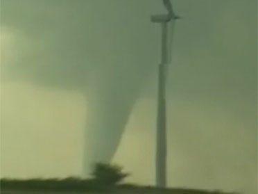 Twisters tear through Oklahoma