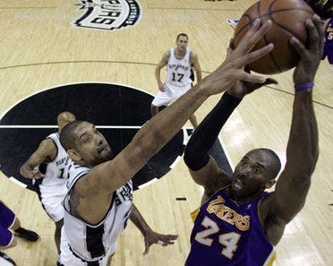 Lakers win game 4 in NBA playoffs
