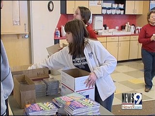 Oklahomans Bring Christmas Cheer to Soldiers