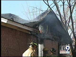 Oklahoma City Fire Damages 2 Homes