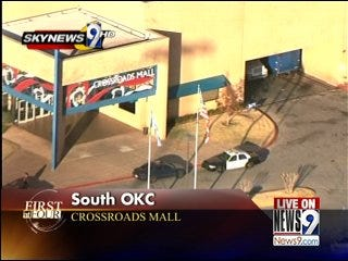 Police Arrest Suspects at Crossroads Mall