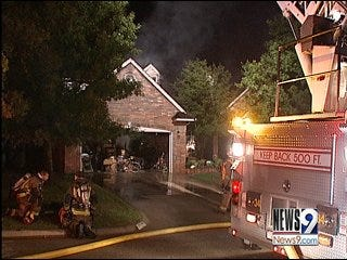 Family wakes to early morning house fire
