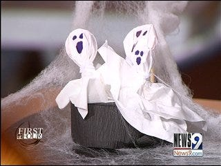 Discount Halloween costume and decoration ideas