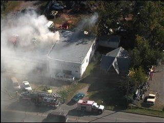 Blaze damages Del City automotive shop